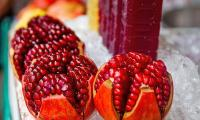 Fresh Pomegranate Fruits 03.jpg